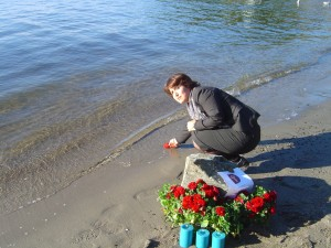 Dr Widad, Moments of mourn for Alan Kurdi Beach event DI2015
